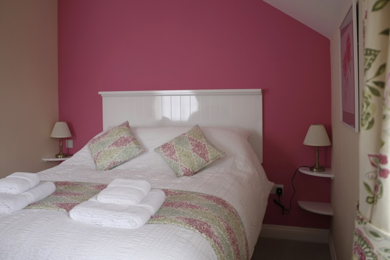 Dobbins Double Room at The Anchor Inn Oldbury
